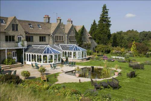 The Pear Tree, a dog friendly hotel in the Cotswolds